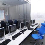 Rozdíly mezi fyzickou kanceláří, sdílenou kanceláří a virtuální kanceláří